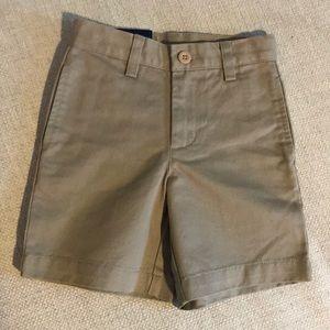 NWT vineyard vines khaki shorts